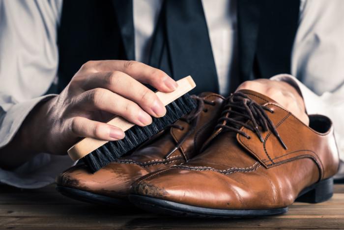 靴の手入れ