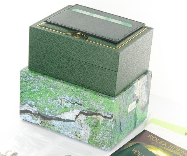 ロレックスの内箱と外箱